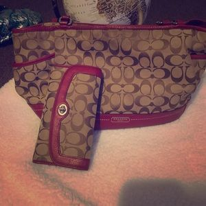 Used Coach Shoulder bag with matching wallet